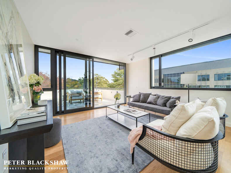 27/22 Canberra Avenue Forrest